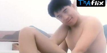 Wai Gwan Lee  nackt