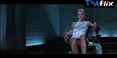 Vimolmal nackt Vee  Movie Review: